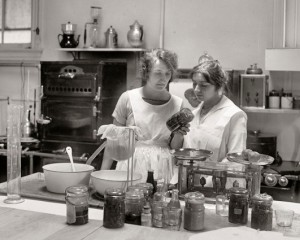 vintage-canning-1930s-531x425