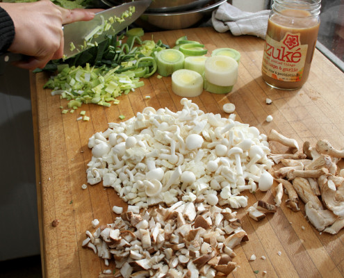 Ozuke_chopping_vegatables_mushrooms